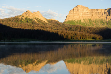 Brooks Lake Breccia Cliffs Mountain Range Shoshone National Fore