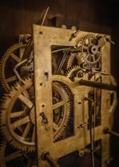 Watch mechanism with gears