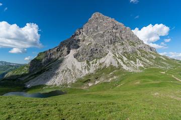 Berg und Bergsee