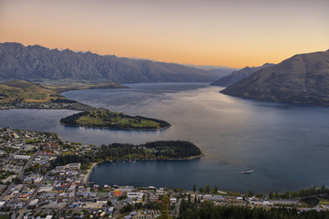 Foto auf AluDibond Neuseeland Queenstown at dusk