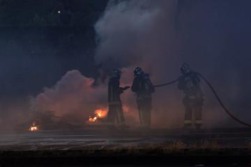 pompiers en action sur un incendie