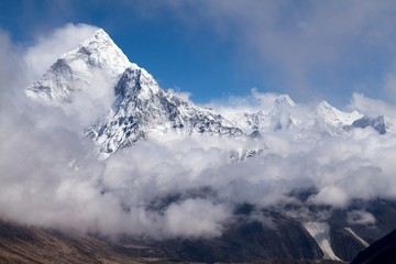 Wall Mural - View of mt. Ama Dabla from route to Cho La Pass, Solu Khumbu, Nepal
