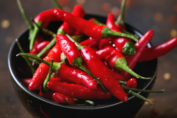 In de dag Hot chili peppers Heap of red hot chili peppers