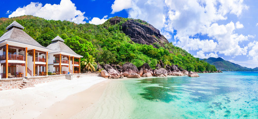 Wall Mural - Tropical holydays in Paradise - Seychelles island, Praslin island