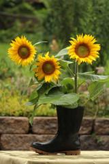 orginelle Blumenvase mit Sonnenblumen