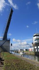 Opening lift bridge
