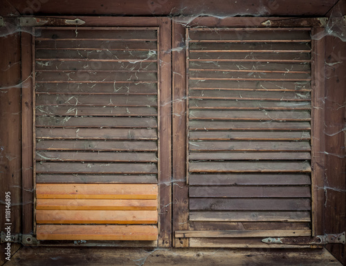Alte fensterl den stockfotos und lizenzfreie bilder auf - Alte fensterladen ...