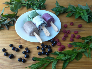 Berries mint homemade ice cream with nettle, cardamom, cinnamon