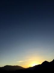 Sonnenuntergang mit wolkenlosem Himmel