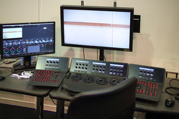 Equipment for mounting movie with a monitor, software and control panel