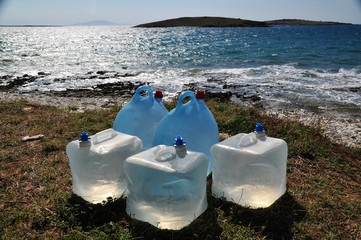 Wasserbehälter in der Morgensonne
