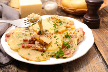 potato with bacon and cheese