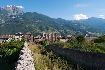 Aosta, Valle d'Aosta, Italia: vista delle rovine dell'Anfiteatro romano, datato dagli archeologi intorno al I secolo avanti Cristo, il 29 luglio 2016