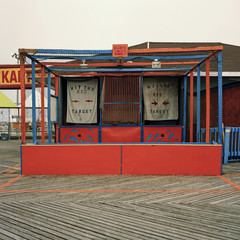 Closed amusement park game