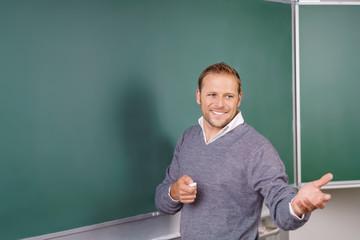 lehrer im unterricht