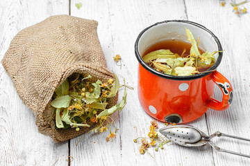 Fototapete - Tea with dry Linden
