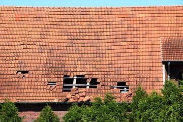 Defekte Dachschindeln, Dachschaden