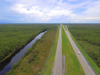 I75 Miami FL with nature landscape on both sides