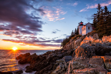 Bass Harbor Lighthouse at sunset Acadia National Park Fototapete