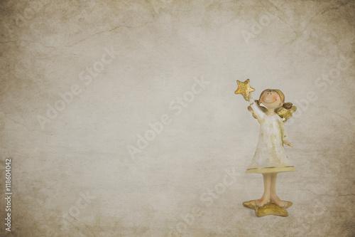 weihnachtskarte mit einem engel in gold als dekoration zu. Black Bedroom Furniture Sets. Home Design Ideas