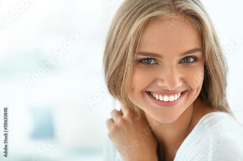 hi res beautiful naked woman