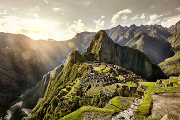 Photo sur Aluminium Ruine MACHU PICCHU, PERU - MAY 31, 2015: View of the ancient Inca City