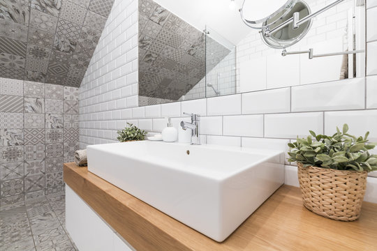 Impressive bathroom designed to suit modern woman's needs