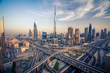 Keuken foto achterwand Dubai Dubai skyline with beautiful city close to it's busiest highway on traffic