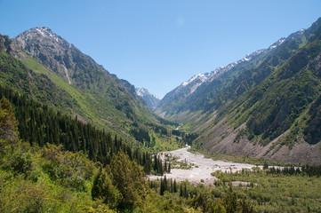 Krajobraz kirgiskiego Parku Narodowego Ała Arcza.