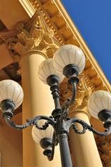 Nostalgielampe vor Stadttheater Innsbruck