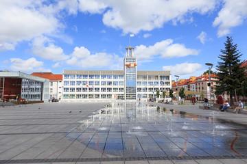 Obraz Koszalin, rynek staromiejski z ratuszem - fototapety do salonu