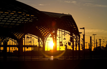 Sonnenaufgang im Kölner Hauptbahnhof