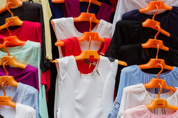 wardrobe market