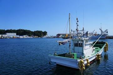いわき市小名浜港と漁船