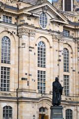 Fototapete - Martin Luther vor Dresdener Frauenkirche