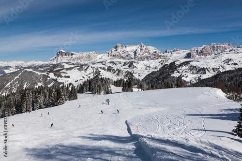 Fototapete View of the Alpe di Fanes cliffs in winter, with the peaks Conturines and Piz Lavarella, Alta Badia, Italian Dolomites.