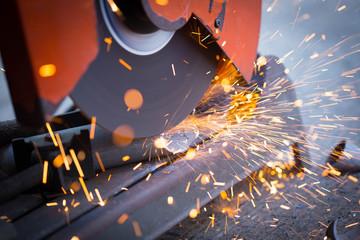 saw cutting steel with split fire