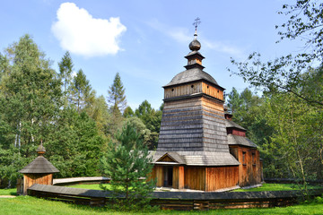 Skansen w Nowym Sączu - drewniana cerkiew ze wsi Czarne