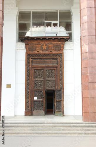 двери входные вднх