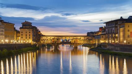 Fototapete - Ponte Vecchio - the bridge market in the center of Florence, Tuscany, Italy