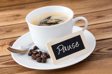 Kaffee und Schild - Pause