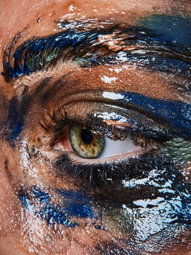 creative beauty eye with pigments