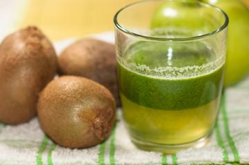 smoothie di kiwi e mela