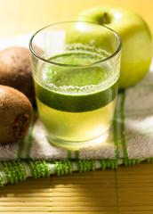 smoothie di kiwi e mele