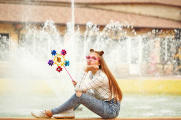 Girl teenage Spinner Array Tool