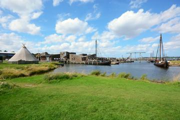 Hafen von Roskilde in Dänemark mit Blick auf Wikingermuseum