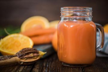 carrot and orange detox juice