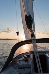 Segelyacht bei der Fahrt auf der Nordsee