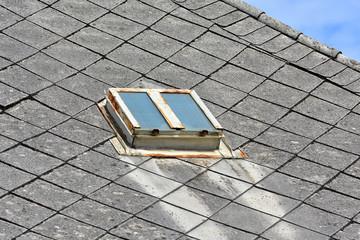 Bilder Und Videos Suchen Dachlukenfenster