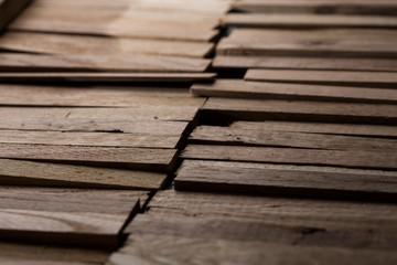 Dettaglio bacchette in legno.